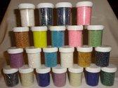 Glaskralen Rocailles/Staafjes ] 1 t/m 2.0 mm. variatie, 22 potjes a circa 50 gram, in 15 kleuren.