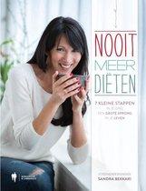 Boek cover Nooit meer diëten van Sandra Bekkari (Hardcover)