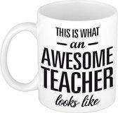 This is what an awesome teacher looks like tekst cadeau mok / beker - 300 ml - juffen / meester dag kado