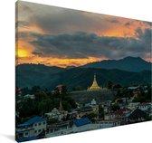 Schwedagonpagode bij Tachileik in Myanmar Canvas 140x90 cm - Foto print op Canvas schilderij (Wanddecoratie woonkamer / slaapkamer)