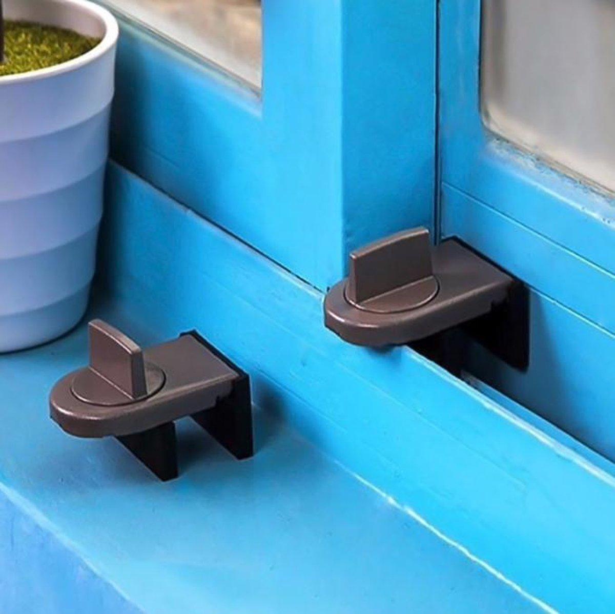 Raam slot -window lock -beveiliging - houd uw huis veilig - bruin - raam - kinderslot - schuifraam -