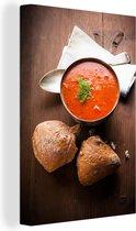 Tomatensoep met twee stukken brood en een oude lepel Canvas 60x90 cm - Foto print op Canvas schilderij (Wanddecoratie woonkamer / slaapkamer)