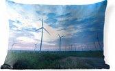 Buitenkussens - Tuin - Deze windmolens wekken elektriciteit op bij zonsondergang - 50x30 cm