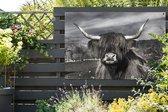Schattige Schotse hooglander zwart wit Tuinposter 120x80 cm - Tuindoek / Buitencanvas / Schilderijen voor buiten (tuin decoratie)
