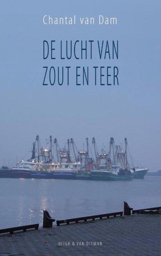 Cover van het boek 'De lucht van zout en teer' van Chantal van Dam