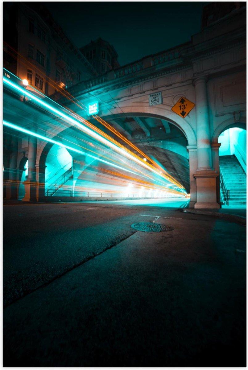 Poster   Lichtstralen door Tunnel - 100x150cm Foto op Posterpapier