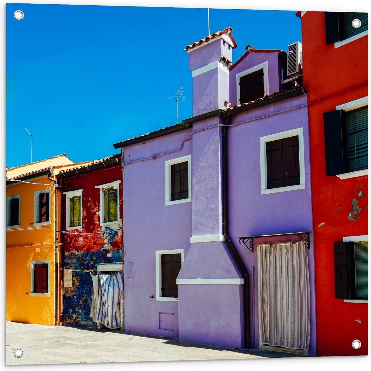 Tuinposter – Gekleurde Gebouwen op Rij - 80x80cm Foto op Tuinposter  (wanddecoratie voor buiten en binnen)