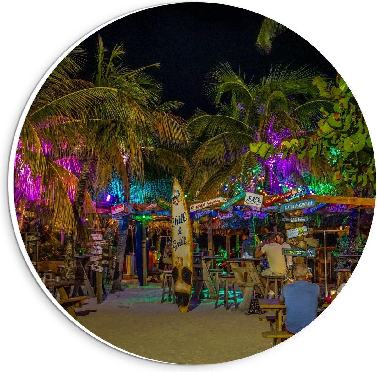 Forex Wandcirkel - Beachclubje in de Nacht - 20x20cm Foto op Wandcirkel (met ophangsysteem)
