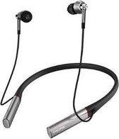 1more E1001BT Bluetooth In Ear oordopjes Zilver