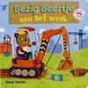 Afbeelding van het spelletje Gottmer Kinderboek Bezig Beertje aan het werk (kartonboek). 1+