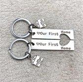 Akyol® Our first home Sleutelhanger   Verhuizen   Mensen die gaan verhuizen   Verhuizing   Nieuwe woning  