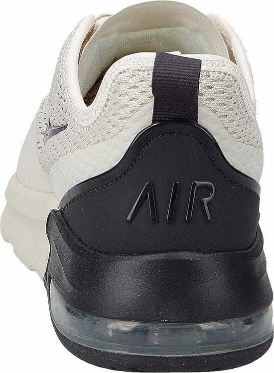 Nike Air Max Motion 2 Sneakers Dames - Beige/ Black - Maat 40.5