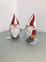 2 kerstmannetjes van aardewerk - 15 cm hoog