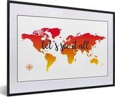 Foto in lijst - Wereldkaart met zonsondergang kleuren en de zwarte tekst fotolijst zwart met witte passe-partout 60x40 cm - Poster in lijst (Wanddecoratie woonkamer / slaapkamer)