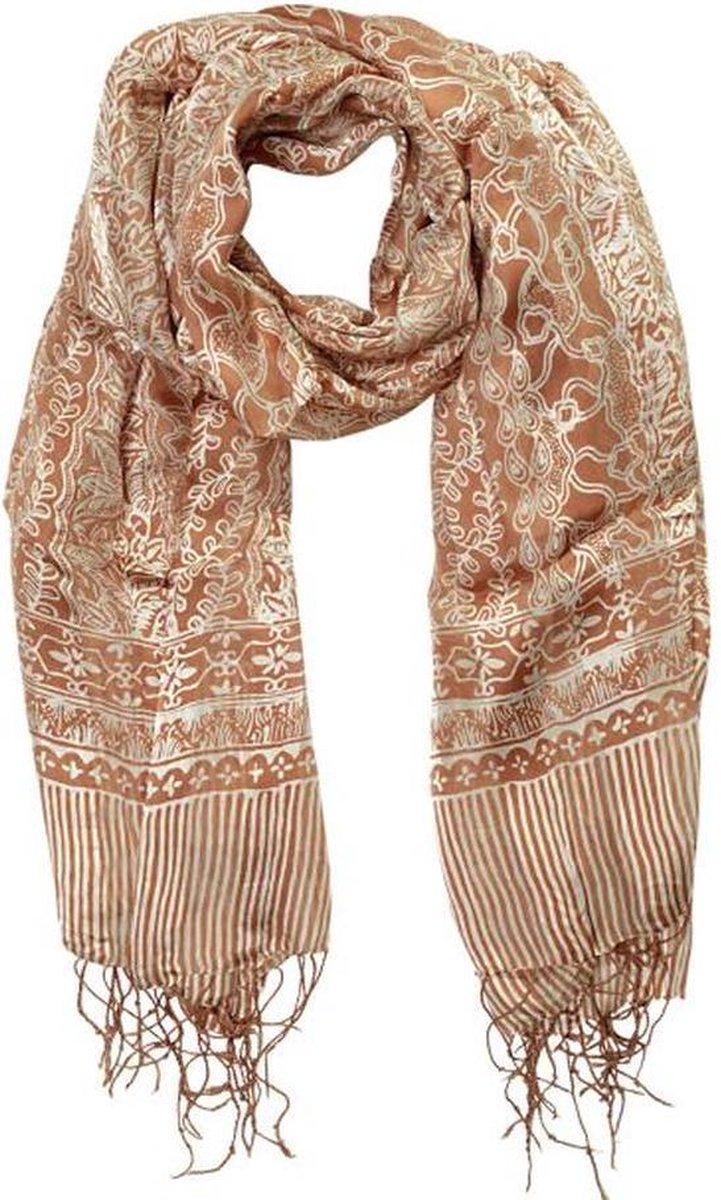 Mooie chique sjaal gemaakt van echte Pongee zijde versierd met franjes lengte 145 cm breedte 85 cm Batik techniek in de kleuren cognac kleur crème wit met figuren.
