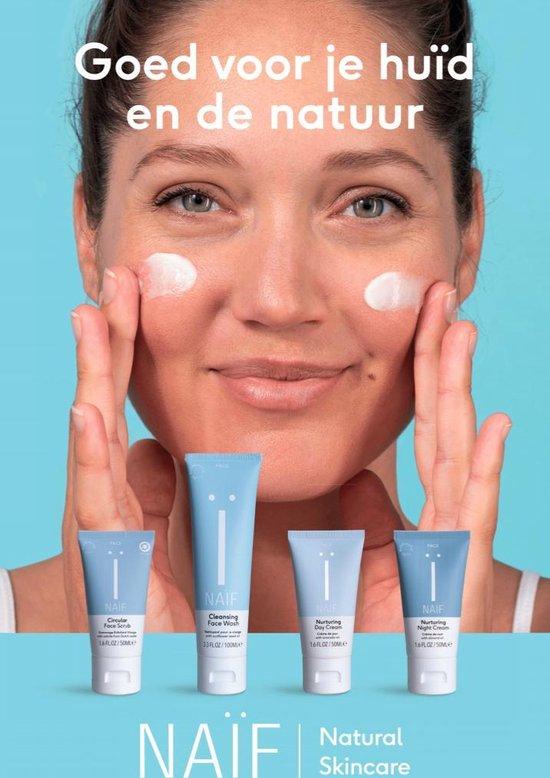 Naïf Natuurlijke Circulaire gezichtsscrub - 50ml