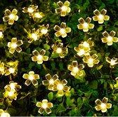 Solar LED Snoer - 7 meter / 50  LEDS – Bloemetjes. Een echte eye-catcher voor in de tuin, carport of camping.– Buiten Sfeerverlichting – Warm wit licht -  Met knipperlicht stand -Zonnepaneel