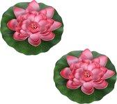 2x Rode drijvende kunst waterlelie bloemen 26 cm - Tuinaccessoires - Vijverbenodigdheden - Vijverdecoratie - Nep/kunst bloemen/planten - Waterlelies