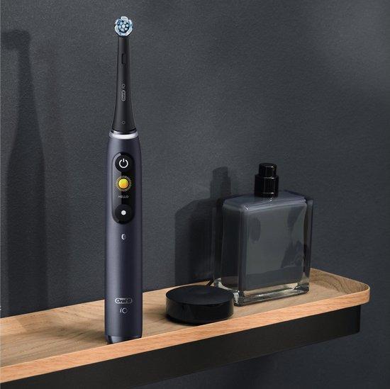 Oral-B iO  8n - Elektrische Tandenborstel - Zwart