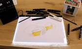 Professionele  A3 Ledbord/ Nassau Fine ArtLightpad / LED licht Lichtbak / Tekentafel / Lichttafel / Lichtbox / Lightbox met 3 dimbare lichtstanden o.a. voor Diamond Painting, Fotografie, Tekenen, Tattoo etc. Met Maatvoering