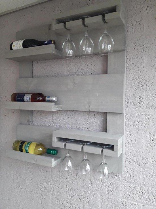 Hangend wijnrek van hout voor aan de muur Grey wash