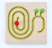Sliding puzzle 30 x 30 cm snail rubber wood