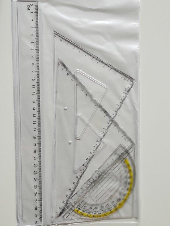 Afbeelding van Geodriehoek set - Geodriehoek huismerk - Handig bij wiskunde - 1 gradenboog 180°   1 geodriehoek   1 liniaal 30CM   1 30° driehoek   1 45° driehoek