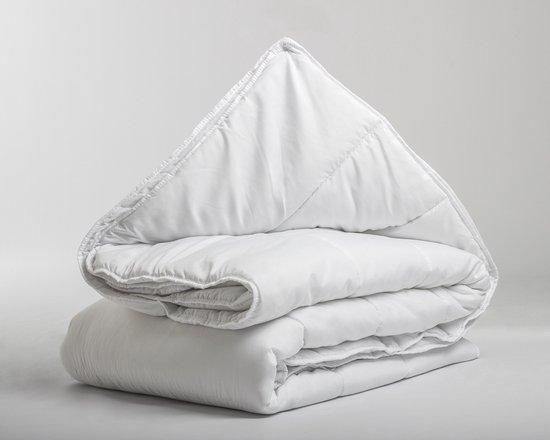 Sleeptime Royal Dekbed Vierseizoenen - 200x200 cm - Tweepersoons - Ultra zacht