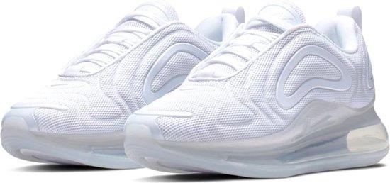 Nike Air Max 720 Sneakers Dames Sneakers - Maat 39 - Vrouwen - wit