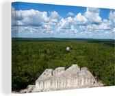 Prachtig uitzicht over het regenwoud van de Maya tempel in Calakmul Canvas 140x90 cm - Foto print op Canvas schilderij (Wanddecoratie woonkamer / slaapkamer)