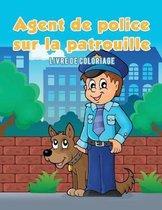 Agent de police sur la patrouille