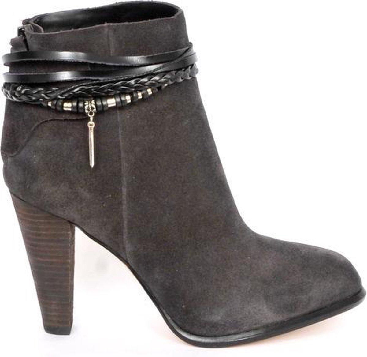 Sieraad voor je schoenen - Versiering - Bandjes -Leer -Zwart met zilveren accenten - Fashionclip