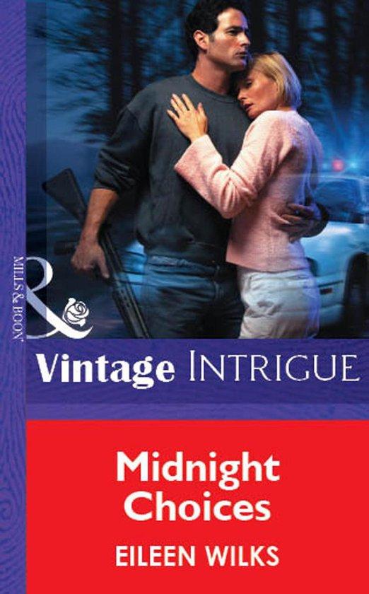 Omslag van Midnight Choices (Mills & Boon Vintage Intrigue)