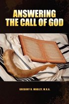 Boek cover Answering the Call of God van Gregory Mobley M R a