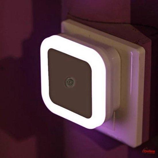 LED Nachtlampje met lichtsensor -INCLUSIEF stopcontact beveiliging - veiligheid - baby - kinder - Nachtlamp - Nachtlicht - Kinderkamer - Slaapkamer - Woonkamer - Badkamer - Donker - Licht - Nacht