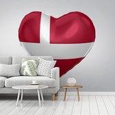 Fotobehang vinyl - De Deense vlag in de vorm van een hart breedte 500 cm x hoogte 400 cm - Foto print op behang (in 7 formaten beschikbaar)