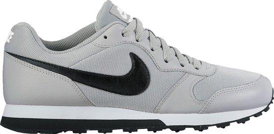 Nike MD Runner 2 BG Sneakers Kinderen - Wolf Grey/Black-White