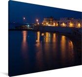 Gallipoli in de avond verlicht Canvas 180x120 cm - Foto print op Canvas schilderij (Wanddecoratie woonkamer / slaapkamer) XXL / Groot formaat!