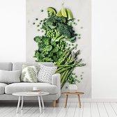 Fotobehang vinyl - Groene asperge-erwten met andere groenten op witte achtergrond breedte 215 cm x hoogte 320 cm - Foto print op behang (in 7 formaten beschikbaar)