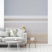 Fotobehang vinyl - Een snoezig kuikentje in de woonkamer breedte 400 cm x hoogte 400 cm - Foto print op behang (in 7 formaten beschikbaar)