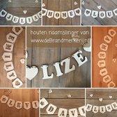 Letterslinger / Naamslinger- blank hout - per letter of figuur - incl. ca. 15 cm bakkerstouw per letter - geboorteslinger -  kraamcadeau - babyshowercadeau