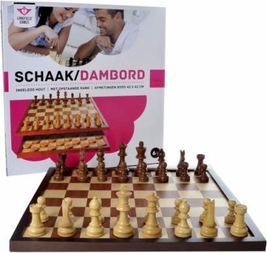 Schaak/dambord ingelegd. Afm. 42 x 42 cm. Verpakt in colour box. Zonder accessoires