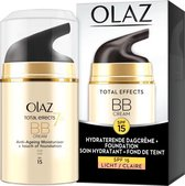 Olaz Total Effects Touch of Foundation licht met SPF 15