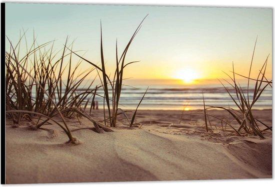 Dibond –Zand op het Strand -150x100 Foto op Aluminium (Wanddecoratie van metaal)