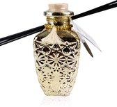 Verjaardag cadeau vrouw - Geurstokjes Romantic Vintage - 240 ml - Huisparfum - Kruidig - Orange/Cinnamon geur - Glas/goud met hartjes hanger, kwastje en lint - interieur - voor moeder