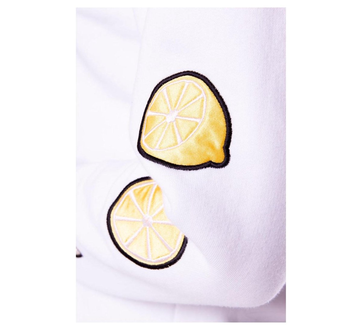 Lemon Patch Basic Fit Sweater  maat S