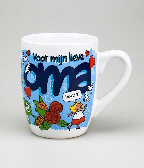 Mok - Cartoon Mok - Voor mijn lieve Oma - Gevuld met een snoepmix - In cadeauverpakking met gekleurd krullint
