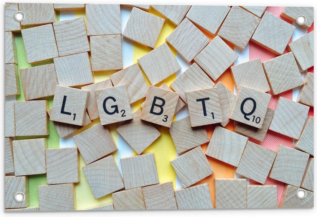 Tuinposter – LGBTQ Scrabble Letters - 60x40cm Foto op Tuinposter  (wanddecoratie voor buiten en binnen)