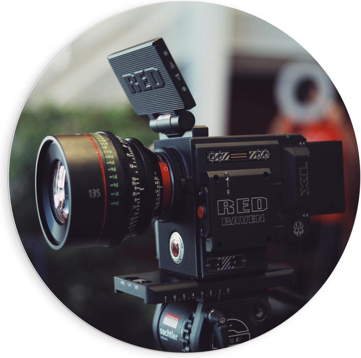 Forex Wandcirkel - Red Raven Camera op Statief  - 90x90cm Foto op Wandcirkel (met ophangsysteem)