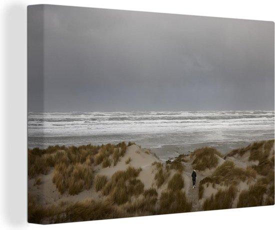 Bol Com Uitzicht Vanaf De Duinen Op Een Donkere Hemel Op Terschelling Canvas 90x60 Cm Foto